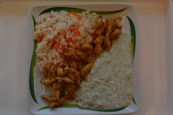 Gyros fűszeres csirkecsíkok rizzsel