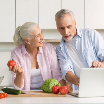 Áprilistól részleteket közöl az OGYÉI, új, időseknek szóló táplálkozási ajánlásából