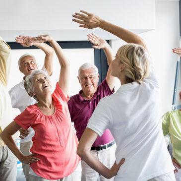 Rendszeres testmozgással és magasabb fehérjefogyasztással az időskori esendőség ellen