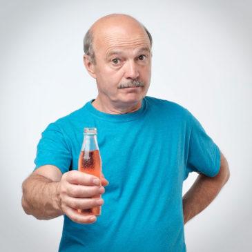 Üdítő, energiaital, gyümölcsital – ajánlottak idős korban?